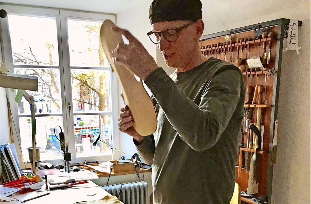 Geigenbauer Martin Schleske bei der Arbeit. Foto: Martin Haar