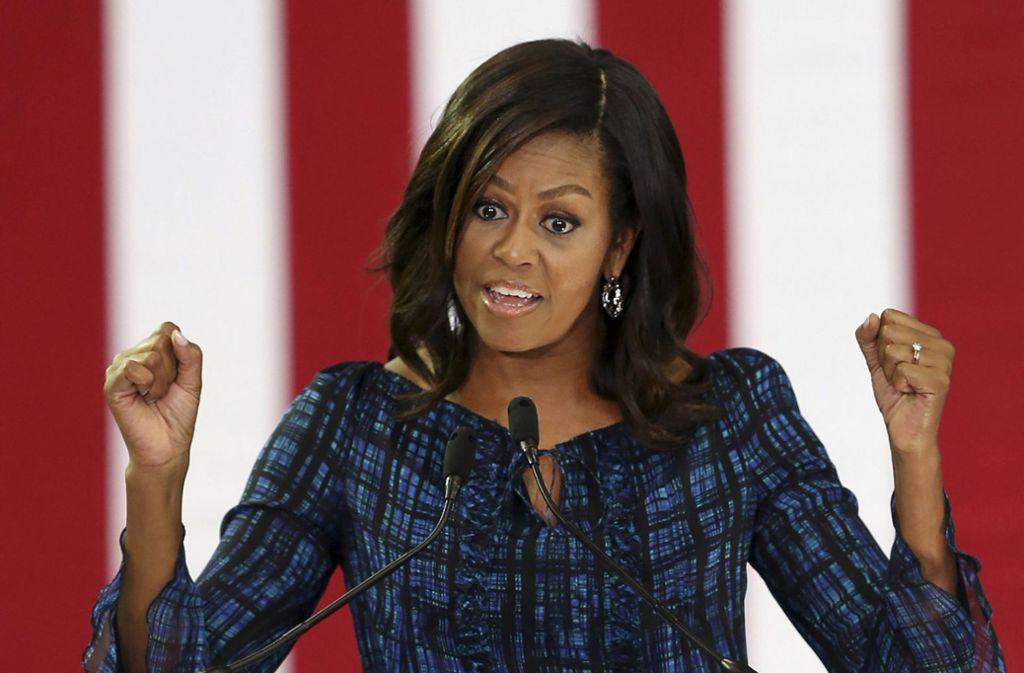 Sie gilt als die charmanteste aller Feministinnen: Michelle Obama. Mit Ehemann Barack zeigt sie, wie die moderne, gleichberechtigte Ehe zwischen Mann und Frau funktionieren kann. Foto: AP