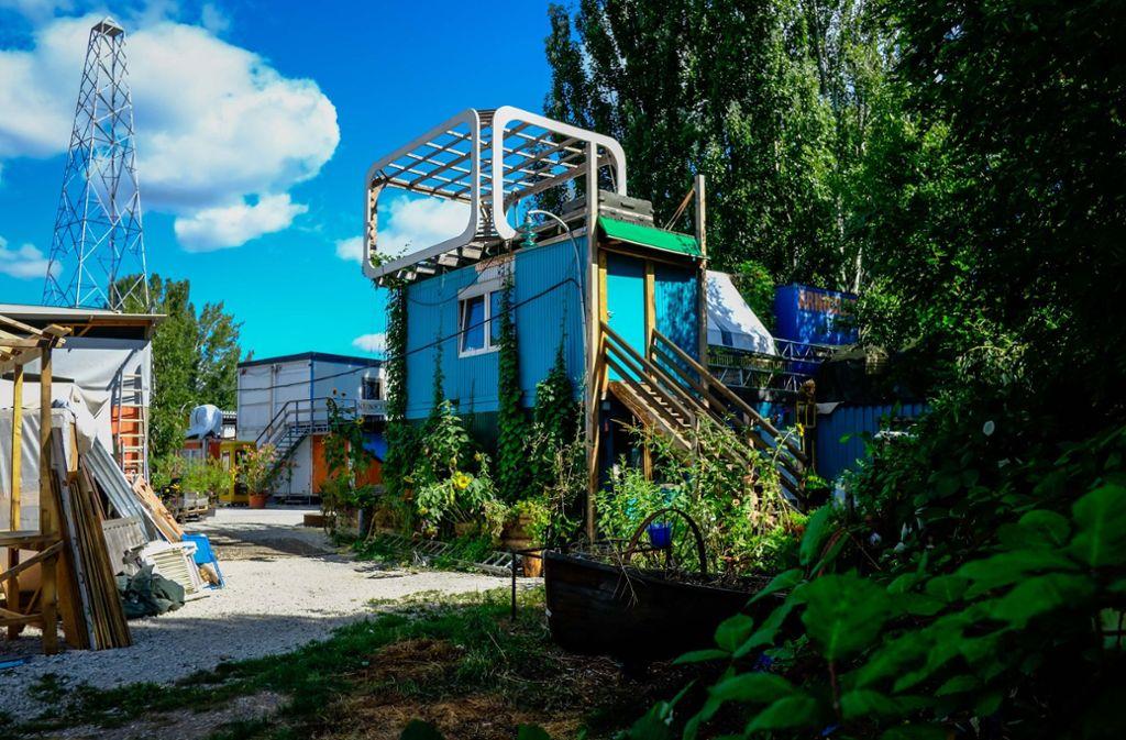 Das Containerdorf bei den Wagenhallen: Hier könnte die Interimsoper gebaut werden, die Container müssten dann weichen. Foto: Lichtgut/Max Kovalenko