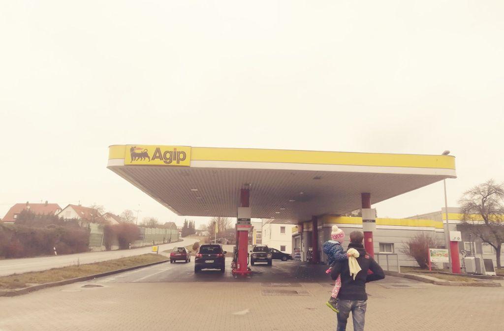 Die Tankstelle in Steinenbronn am Tag nach dem Überfall Foto: Judith A. Sägesser