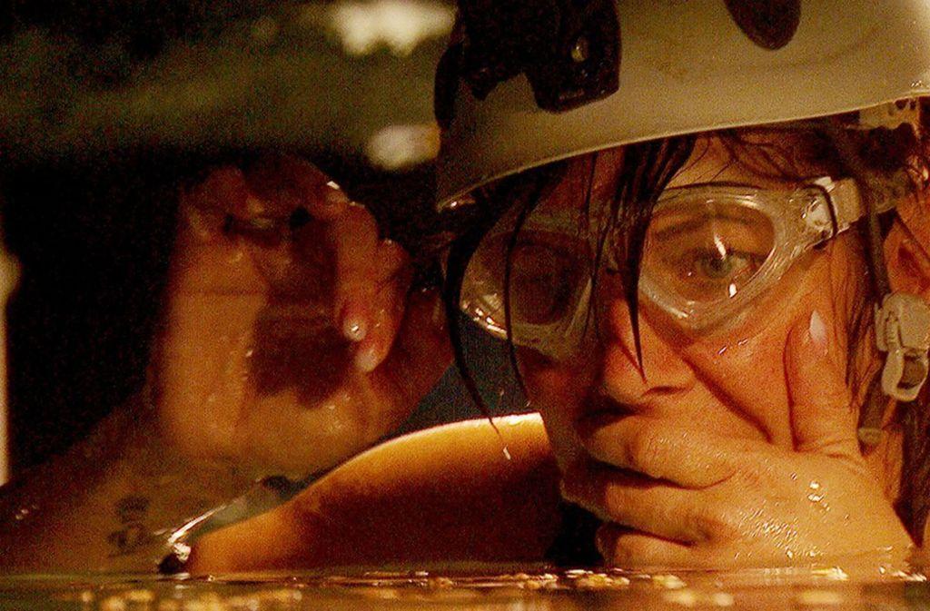 Danni Büchner steigt in den Wassertunnel hinab und kommt an ihre psychischen Grenzen. Foto: TVNOW
