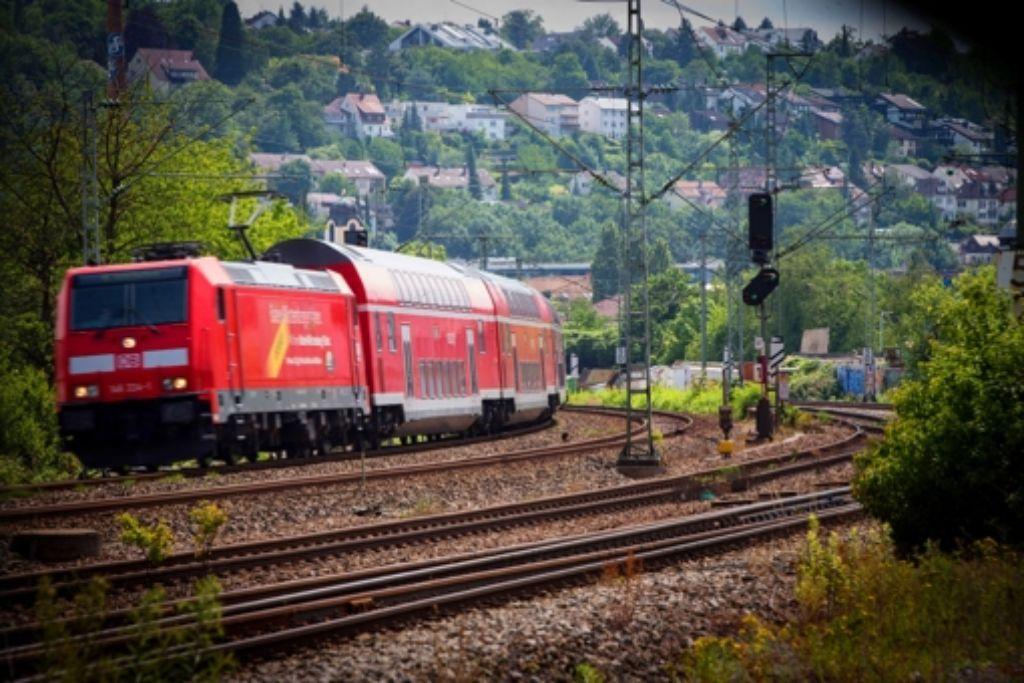 Ein Regionalzug der Bahn: künftig sollen andere Anbieter fahren. Foto: Lichtgut/Achim Zweygarth