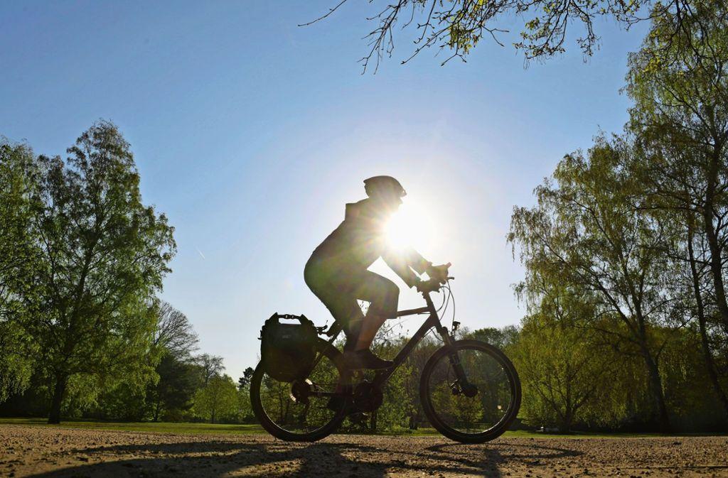 Die Coronakrise sorgt dafür, dass viele Radfahrer stressfreier in die Pedale treten können. Foto: picture alliance/dpa/Paul Zinken