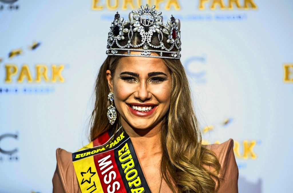 """Strahlende Gewinnerin: Anahita Rehbein, die amtierende Miss Germany, fühlt sich nach dem Sieg wie """"eine kleine Prinzessin"""". Foto: dpa"""
