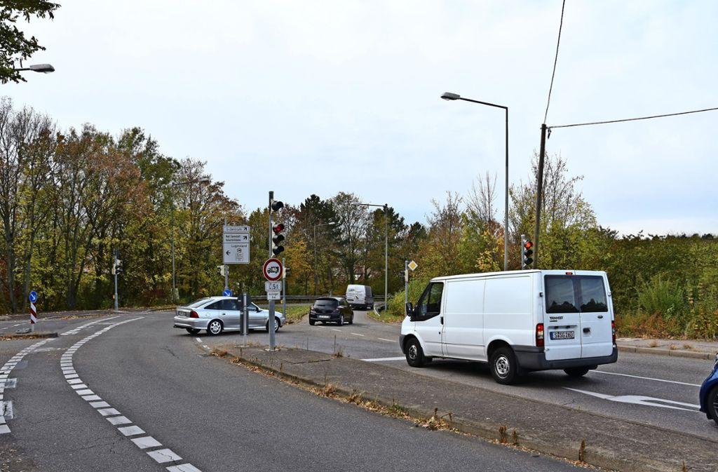 Die Dietbachstraße wird  ab Montag zwischen  Barbarossa- und  Fellbacher Straße wegen Kanalbauarbeiten gesperrt. Foto: Kuhn