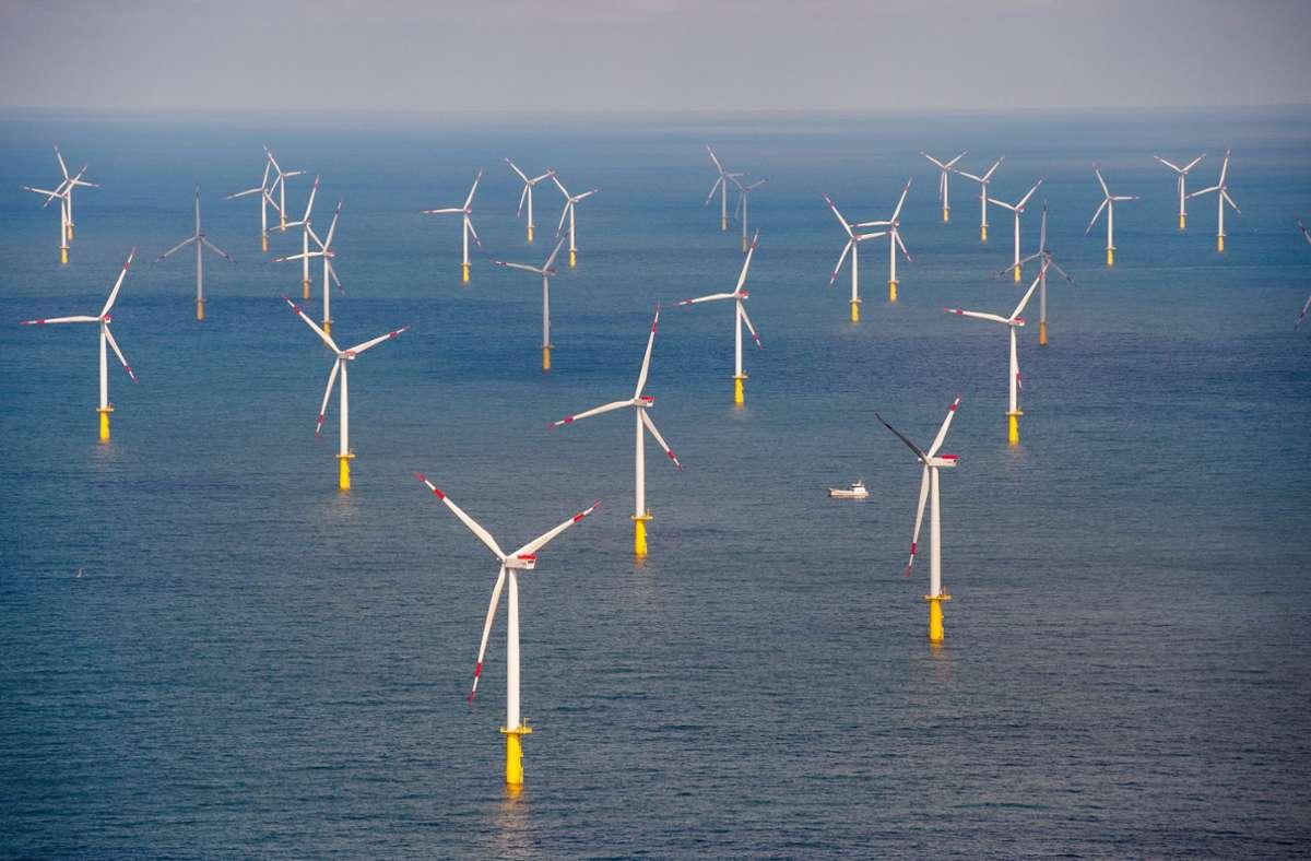 In der Nordsee in Deutschland längst Realität, in Frankreich noch Zukunftsmusik. Offshore-Windparks liefern sauberen Strom für Tausende Haushalte. Foto: dpa/Daniel Reinhardt