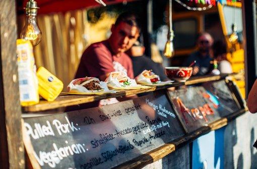 Food Trucks starten in neue Saison auf Karlsplatz