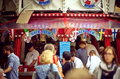 Musik und Leckereien beim Hamburger Fischmarkt