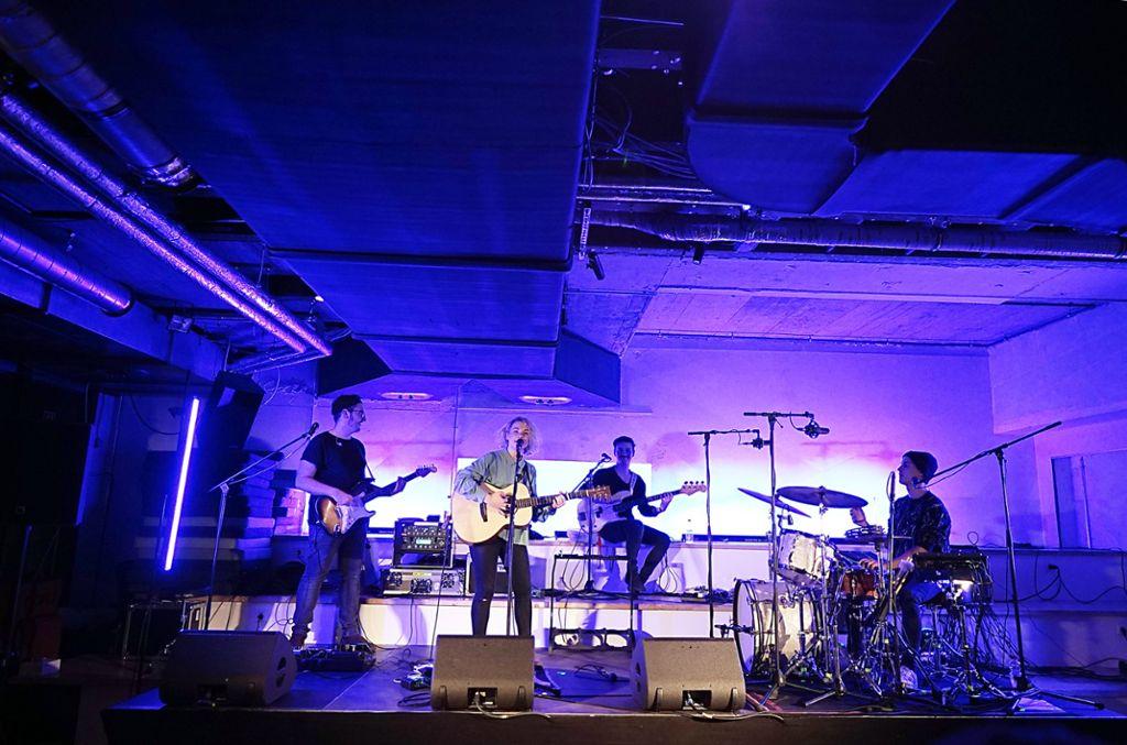 Das White Noise bietet eine großzügige Bühne und hervorragenden Sound - so bewiesen beim Konzert von Avec am Dienstagabend. Weitere Fotos in der Bilderstrecke. Foto: Jan Georg Plavec