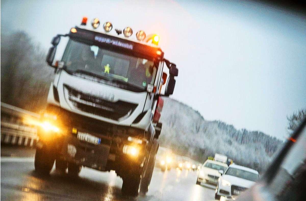 Streufahrzeuge sind derzeit wieder häufiger im Einsatz. Foto: Lichtgut/Leif Piechowski