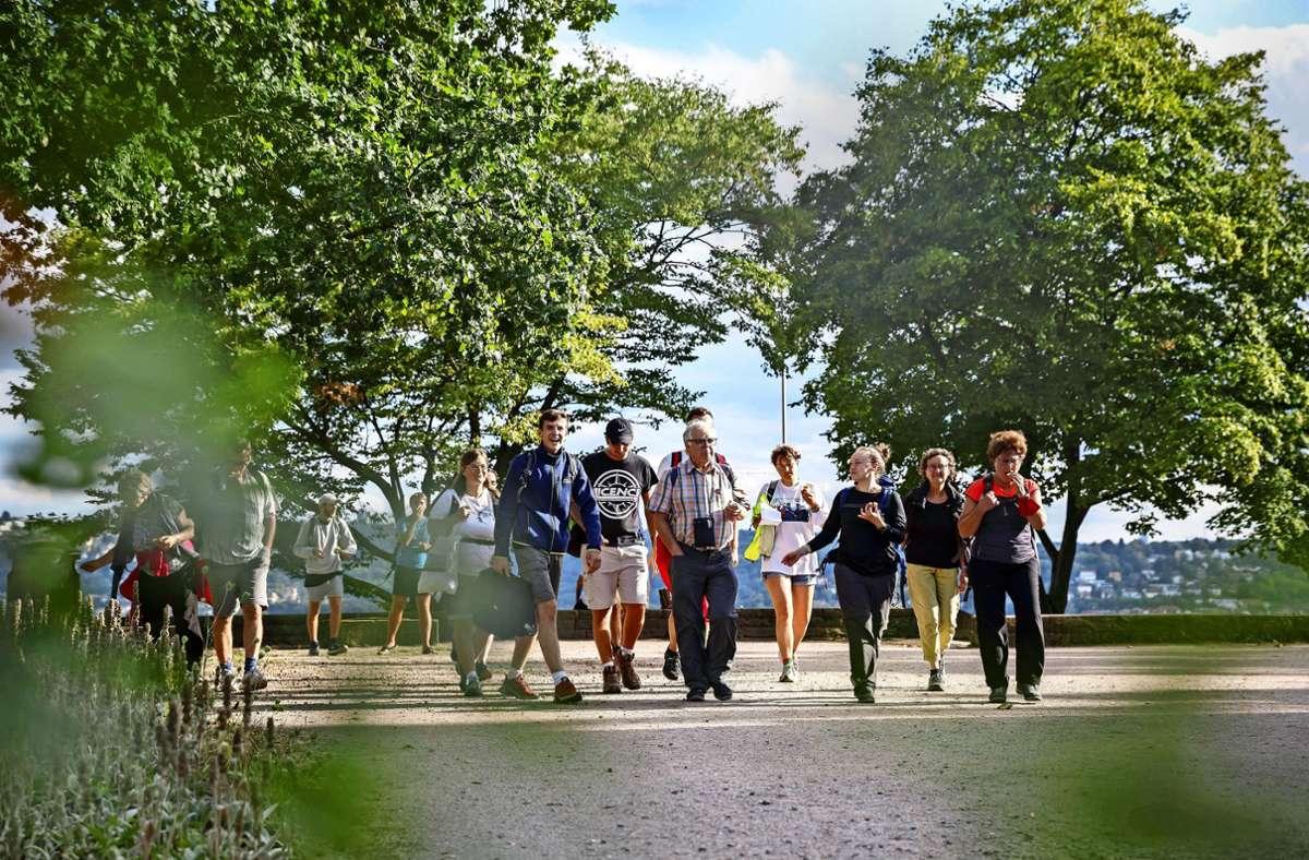 Der 20-köpfige Gruppe wanderte von der KZ-Gedenkstätte  in Leonberg bis zum Bismarckturm in Stuttgart. Foto: Lichtgut/Julian Rettig
