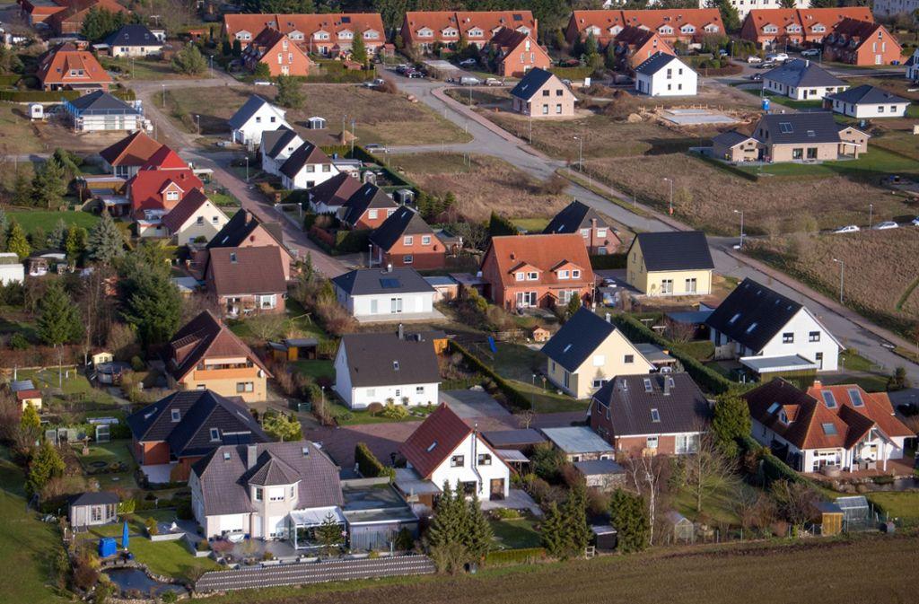 Die Besteuerung von Grundstücken wird reformiert. (Archivbild) Foto: dpa/Jens Büttner
