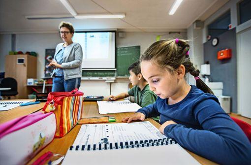 Wie Kinder in den Ferien für die Schule lernen