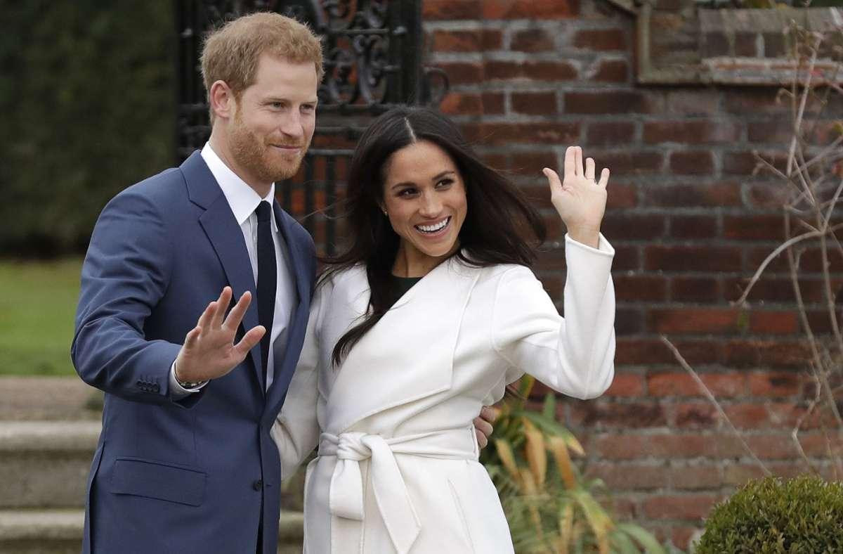Prinz Harry und seine Frau Meghan haben auch nach der Aufgabe der royalen Pflichten noch Geld vom britischen Königshaus erhalten (Symbolbild). Foto: dpa/Matt Dunham