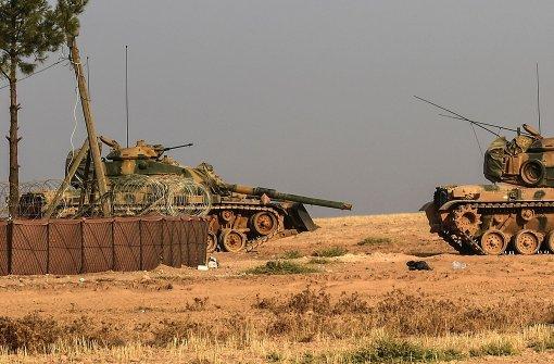 Türkische Panzer dringen über syrische Grenze ein