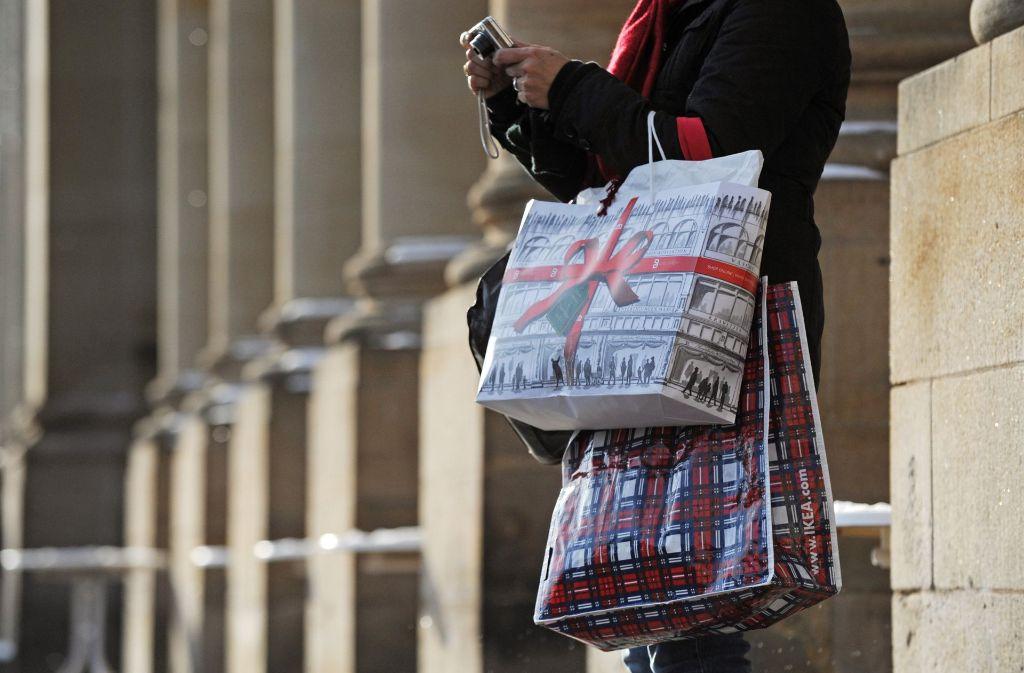 Werden die Läden an Heiligabend öffnen? Ob sie das wollen, wollen die CDU-Abgeordneten in den kommenden Wochen klären. Foto: dpa