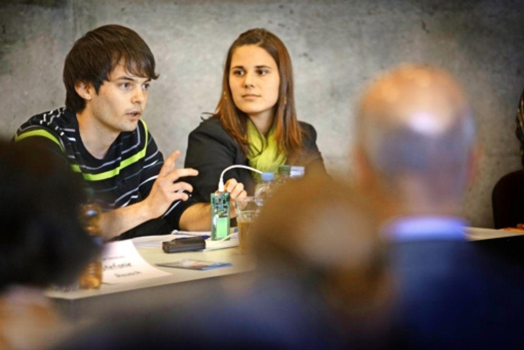 Timo Haible von der SPD und Melanie Lang von den Grünen – zwei der sechs Nachwuchskandidaten auf dem Podium Foto: Gottfried Stoppel