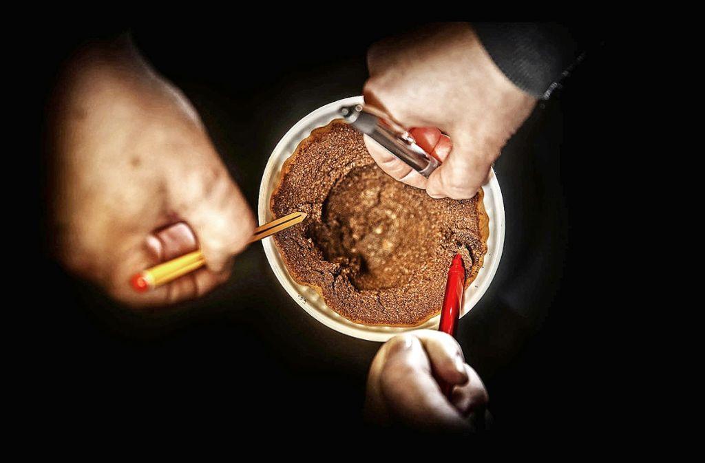 Was sagt uns das braune Kaffeepulver über 2018? Die Redaktion ist bei der Kaffeesatz-Leserei auf so manch interessantes Ereignis in der Zukunft gestoßen. Foto: Stoppel