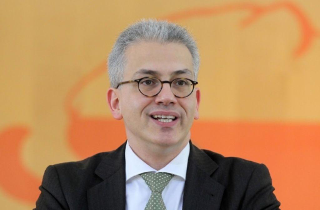 Der hessische Wirtschaftsminister Tarek  Al-Wazir hält nichts davon, den Frankfurter Flughafen weiter  auszubauen. Foto: dpa