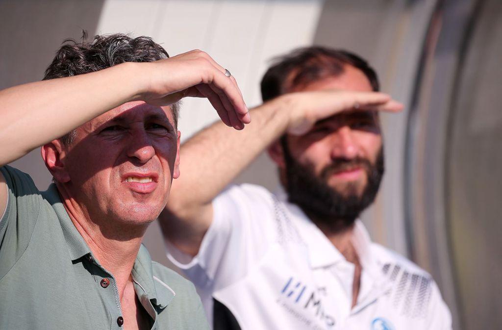 Blick ins Ungewisse: Sportdirektor Martin Braun (links) und Trainer Tobias Flitsch Foto: Baumann