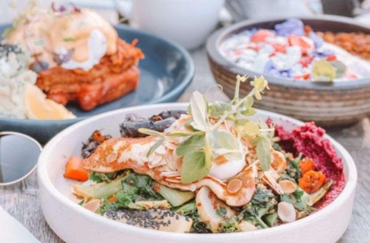 In Stuttgart kann man gut und auch vegan essen, wir zeigen euch wo! Foto: Unsplash/Maddi Bazzocco