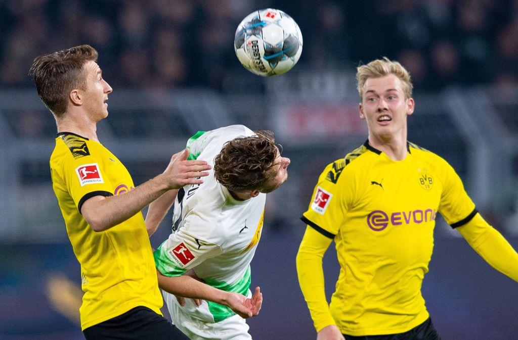 Borussia Mönchengladbach konnte sich im Topspiel gegen Borussia Dortmund nicht absetzen. Foto: dpa/Guido Kirchner