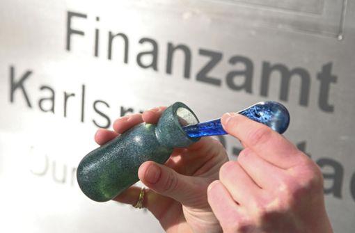 In diesem Finanzamt kriegt man Parfüm mit Geld-Duft