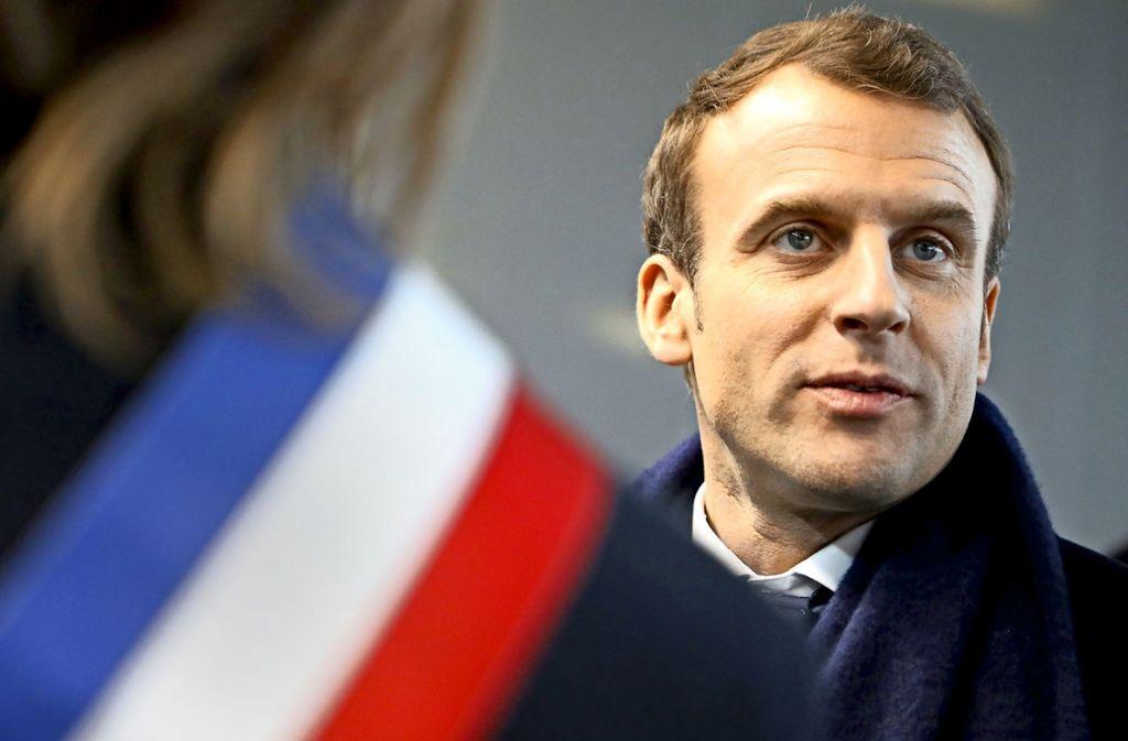 Emmanuel Macron fordert die mächtigen Eisenbahnergewerkschaften heraus. Foto: AFP