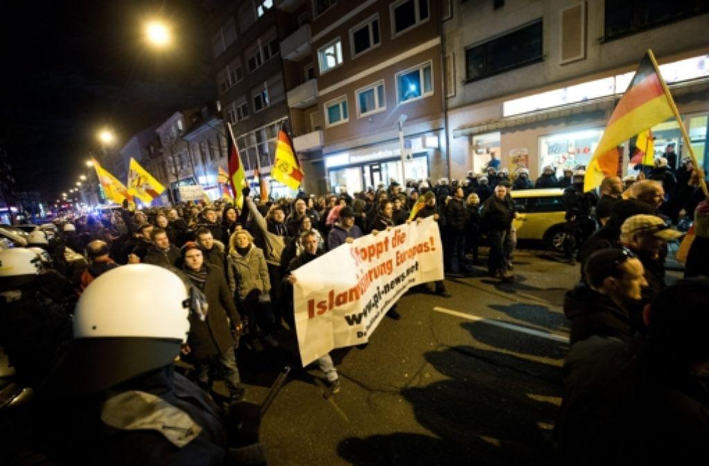 In Karlsruhe wurden Pegida-Demonstranten angegriffen (Symbolbild). Foto: dpa