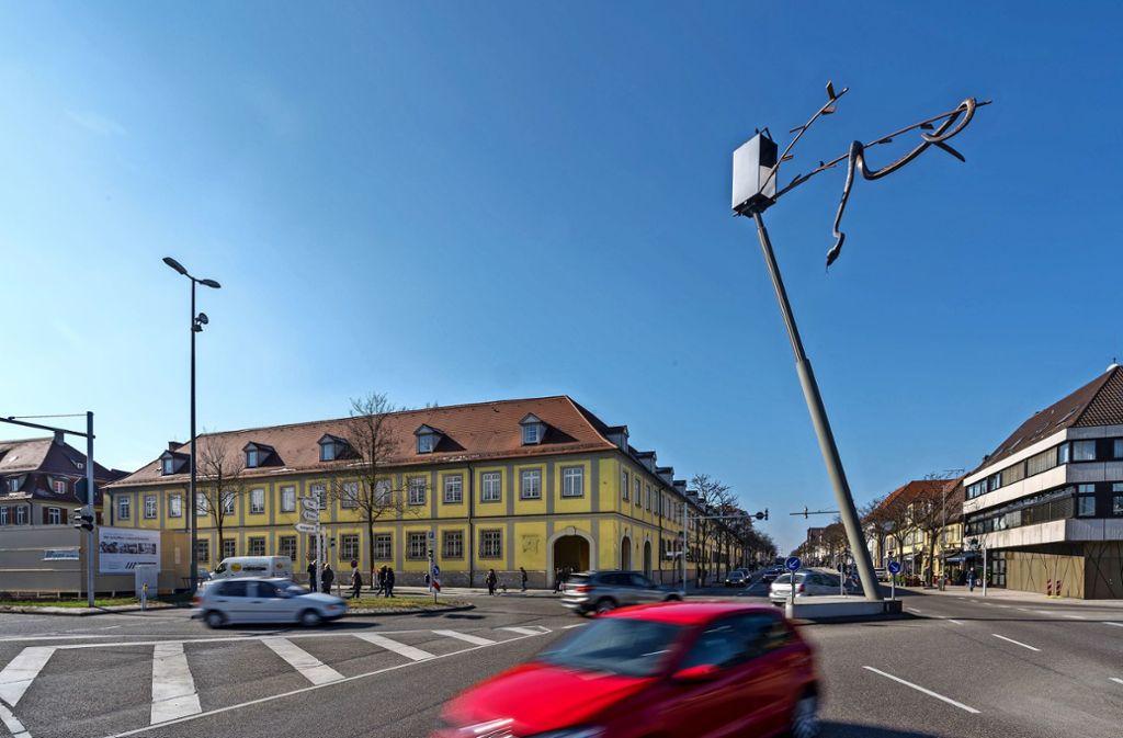 Hier sollte das neue Domizil der  Ludwigsburger Bürgerdienste entstehen: In dem  großen Eckgebäude an der Sternenkreuzung. Foto: factum//Andreas Weise