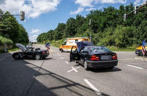 Zwei Schwerverletzte nach Rotlichtunfall in Leonberg