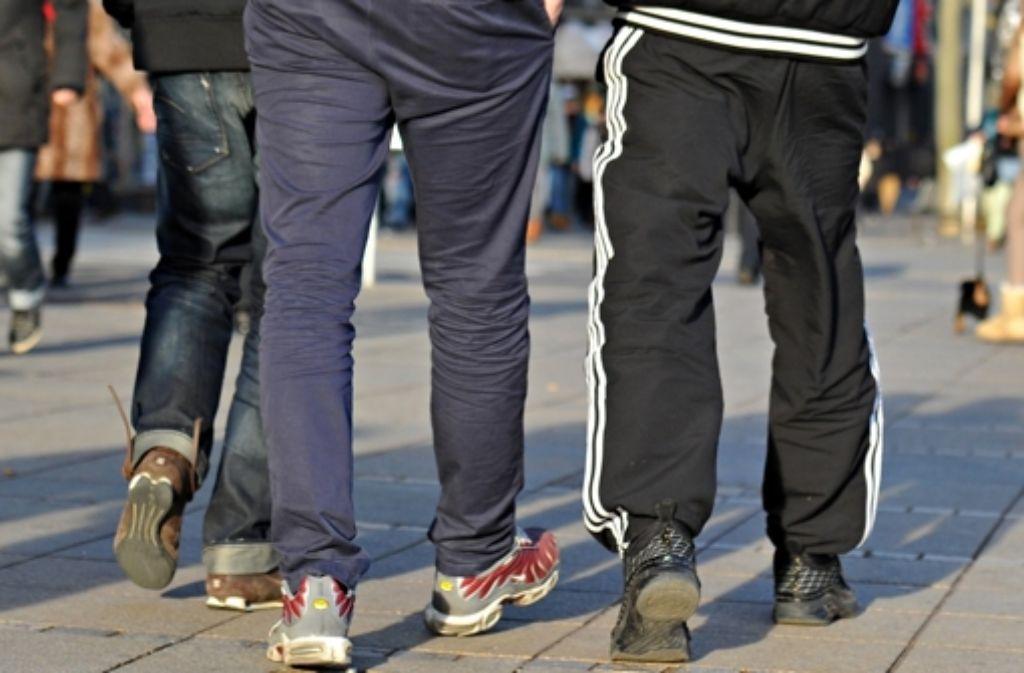 Jogginghosen sollen in der Schule Tabu sein. Für diese verschärfte Kleiderordnung wird die Schwieberdinger Schulleiterin Sandra Vöhringer jetzt sogar bedroht. Foto: dpa