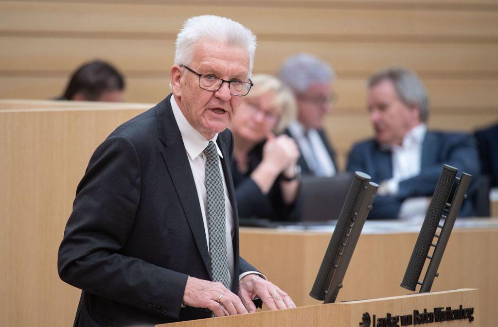 Ministerpräsident Winfried Kretschmann (Grüne) ermahnte die Bürger erneut, zu Hause zu bleiben. Foto: dpa/Marijan Murat