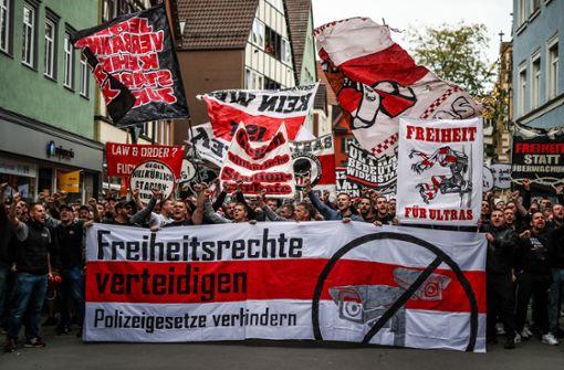 Rund 1000 Teilnehmer bei Demo in Bad Cannstatt