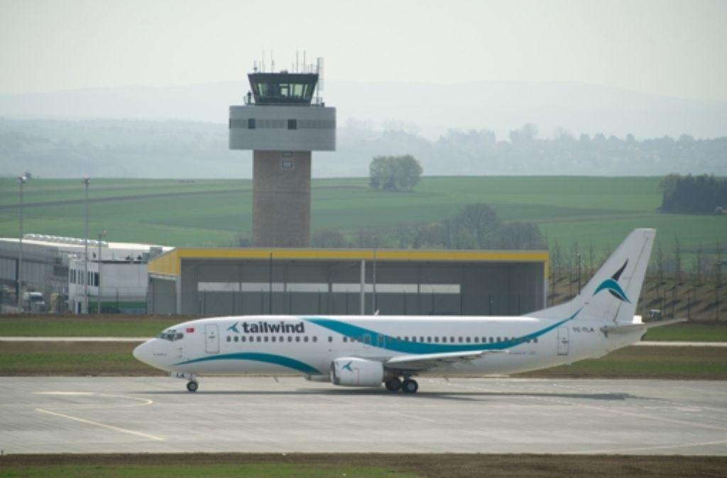 Schleppender Flugverkehr: Der Kasseler Regionalflughafen. Foto: dpa