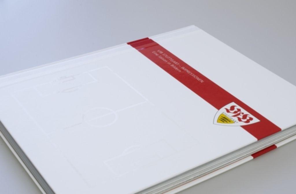 Das ist einer der drei Bände der neuen VfB-Stuttgart-Chronik. In unserer Bildergalerie blicken wir zurück auf die Geschichte des schwäbischen Traditionsvereins. Klicken Sie sich durch! Foto: VfB Stuttgart