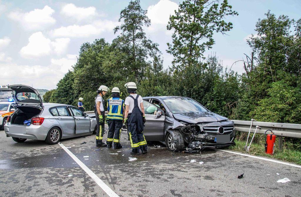 Bei dem Unfall nahe Grafenau wurden vier Menschen verletzt. Foto: SDMG