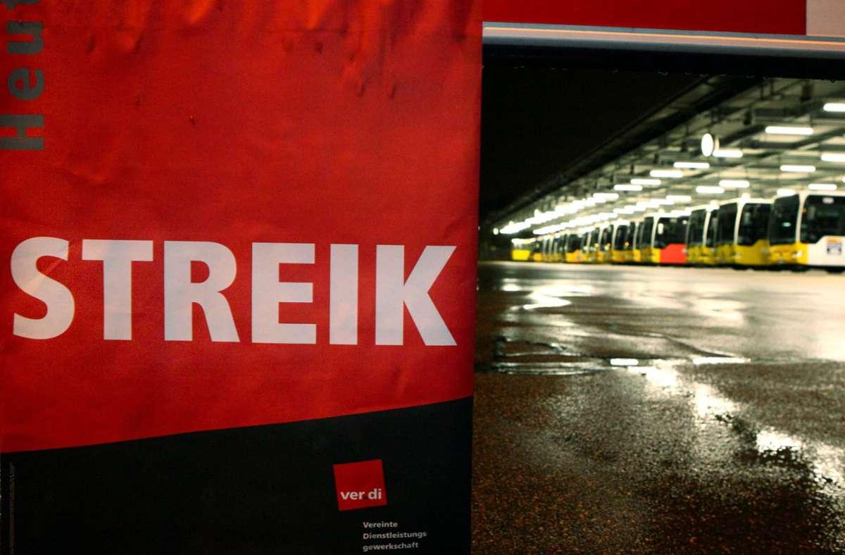 Die Gewerkschaft fordert  Entlastungstage, bessere Überstundenregelungen und mehr Urlaubsgeld. Foto: dpa/Benjamin Beytekin