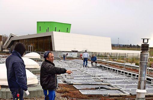Das Spaßbad-Dach wird zum Solarpark