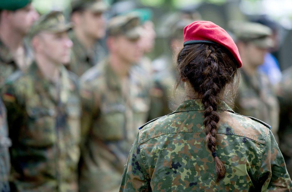 Soldaten müssen als Testpersonen hinhalten. (Symbolbild) Foto: dpa/Bernd von Jutrczenka