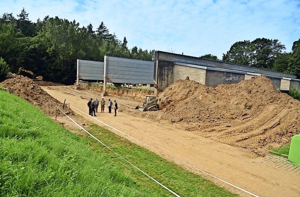 Eine Pioniereinheit der US-Army rüstet die offenen Schießbahnen vier und fünf  mit einem Schallschutz aus. Foto: U.S. Army Training Support Center Stuttgart