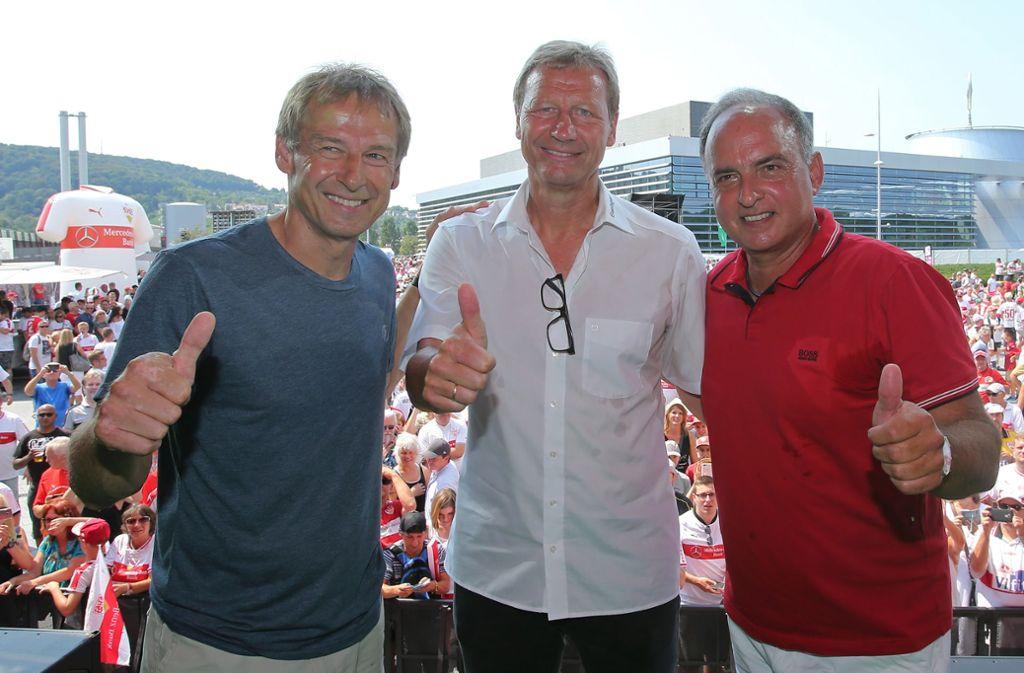 Drei Legenden des VfB Stuttgart: Jürgen Klinsmann, Guido Buchwald, Hansi Müller (v. li.) Foto: Baumann