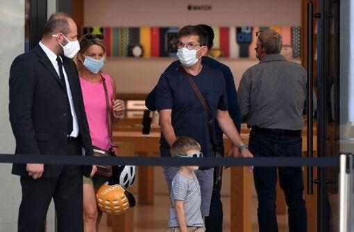 Verschärfte Maskenpflicht in Österreich und England