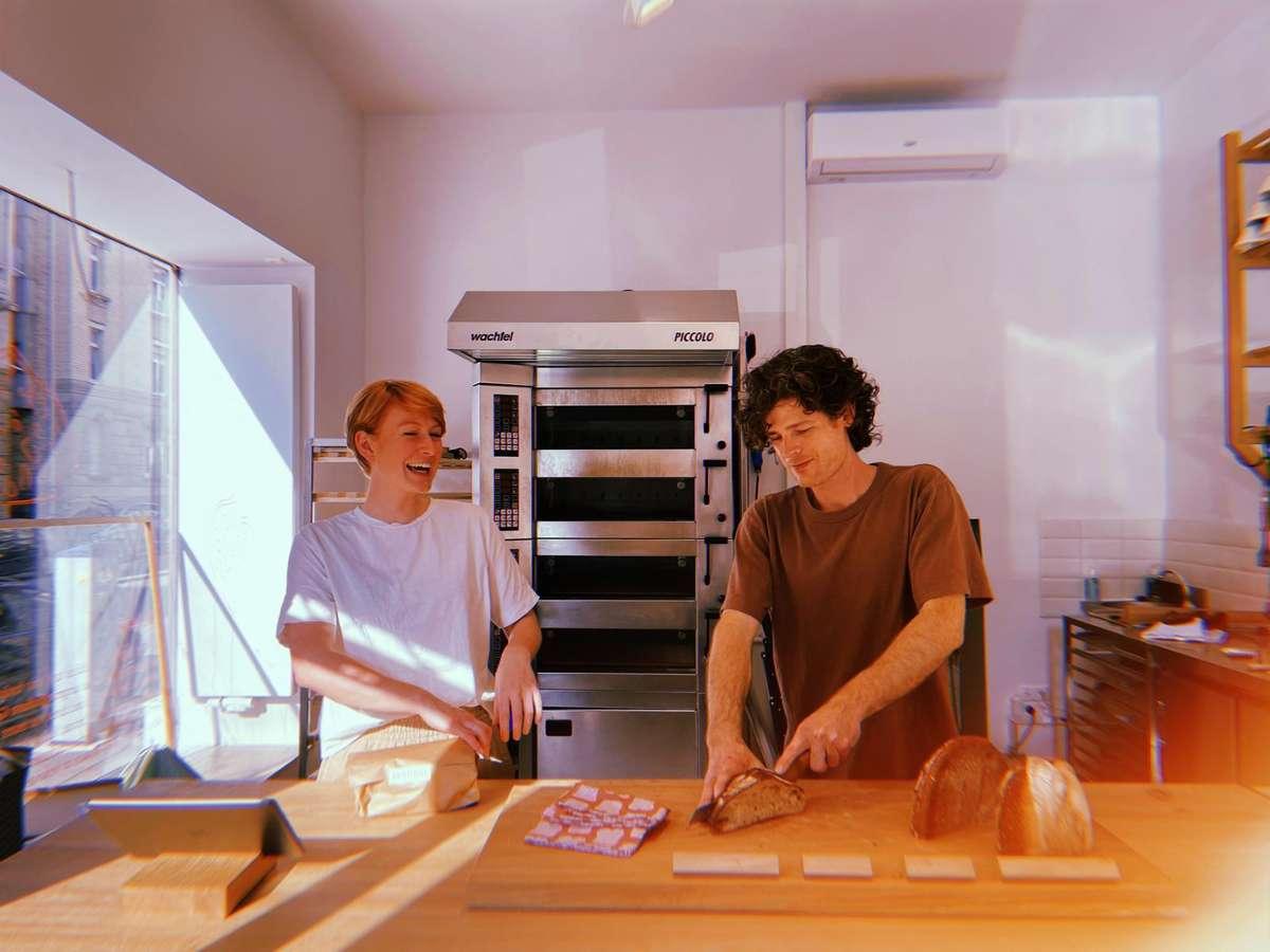 Auch im Juni haben einige neue Locations eröffnet: unter anderem die Brotique im Lehenviertel. Foto: Tanja Simoncev