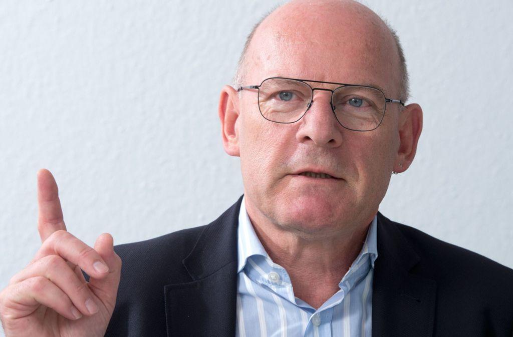 Verkehrsminister Winfried Hermann erwartet, dass die EU Deutschland verklage, aber dem Land noch Zeit bis 2020 zum Erreichen der Luftschadstoff-Grenzwerte lässt. Foto: dpa