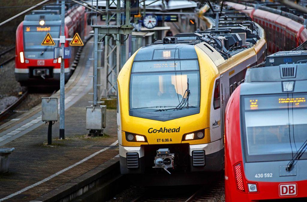 Über Unpünktlichkeit und Platzverhältnisse in den Go-Ahead-Zügen herrscht nach wie vor großer Unmut. Foto: /Gottfried Stoppel
