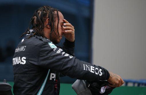 Auf einer Stufe: Lewis Hamilton und Michael Schumacher