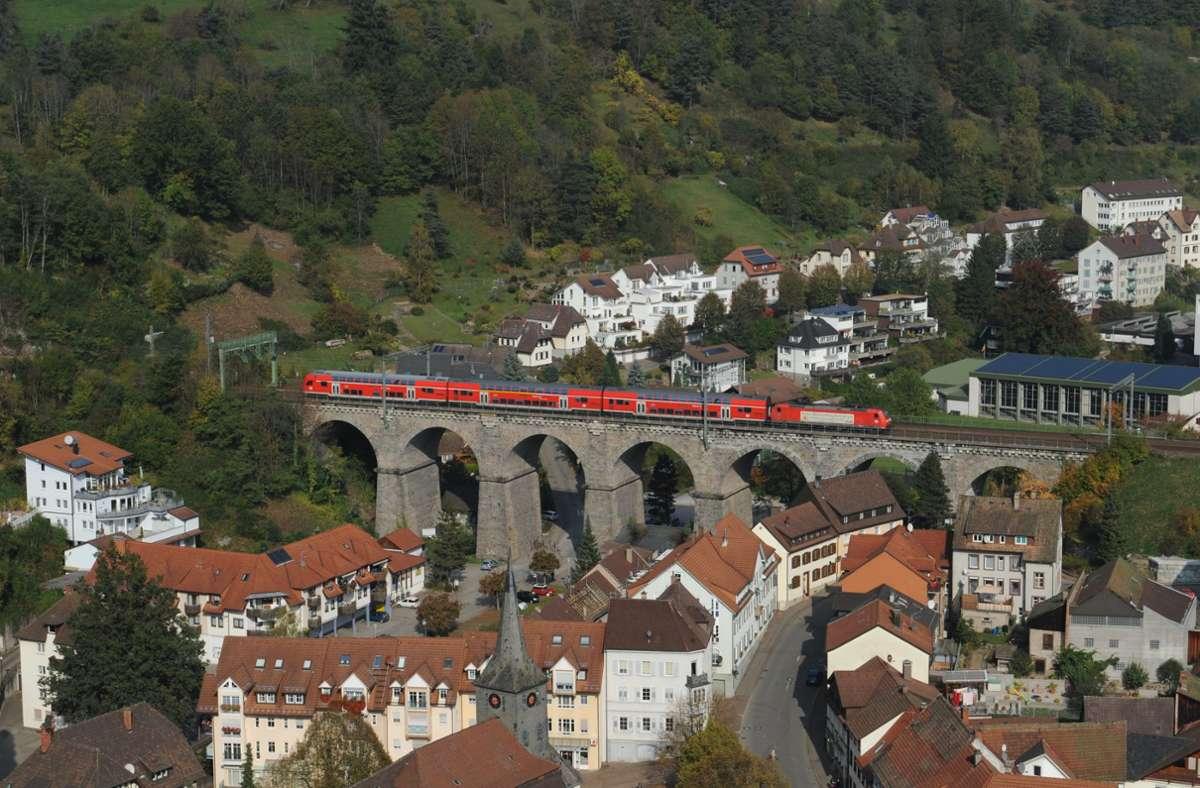 Die Schwarzwaldbahn verspricht Eisenbahn-Romantik. Jetzt kam es zum Unfall eines Reparaturzugs. Foto: dpa/Patrick Seeger