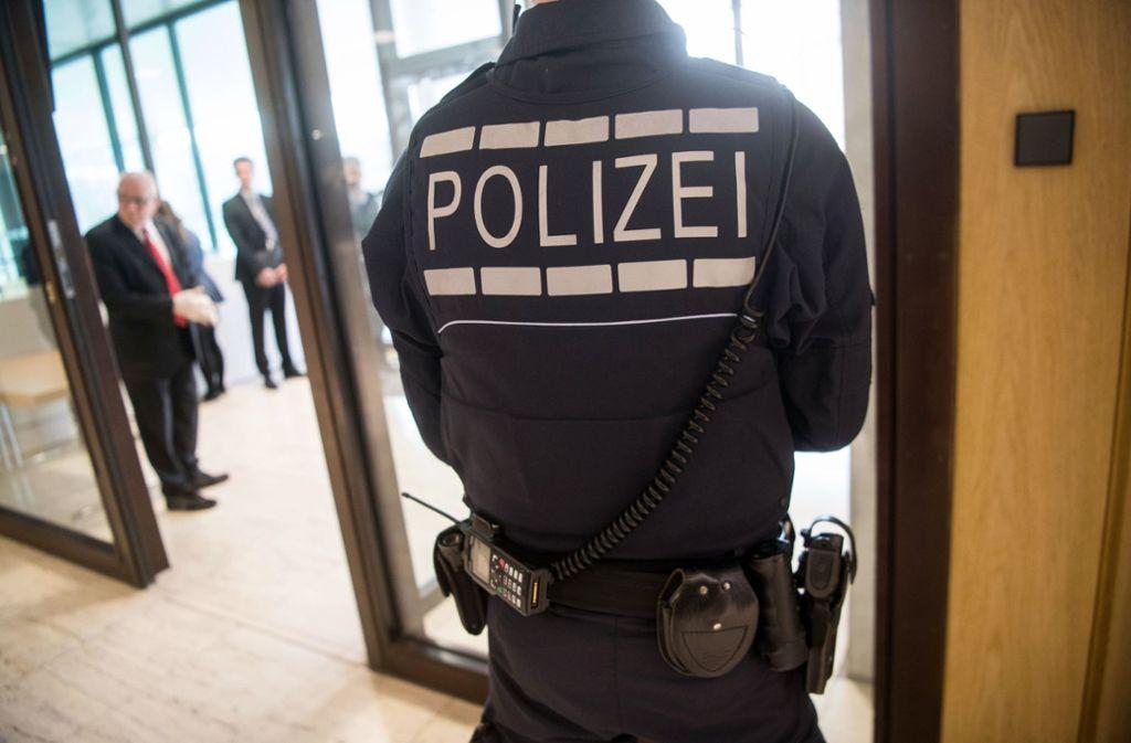 Manche Sitzungen des NSU-Untersuchungsauschusses finden unter Polizeischutz statt. Foto: dpa