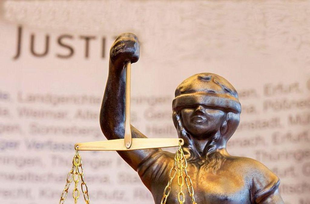 Der Angeklagte wird wegen Falschaussage verurteilt. Foto: Archiv
